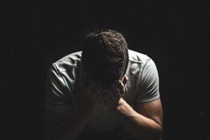 גברים, הנה 5 סיבות לכך שאתם חווים דליפות משלפוחית השתן