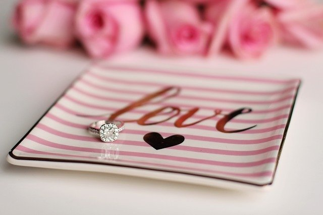 Read more about the article ההיסטוריה של אירוסין וטבעות נישואין