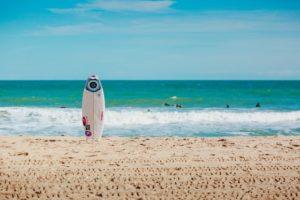 Read more about the article חולצות גלישה לנשים, החופש שלך במים